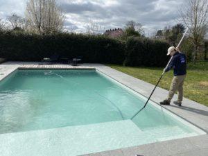 Comment préparer ma piscine pour les beaux jours?